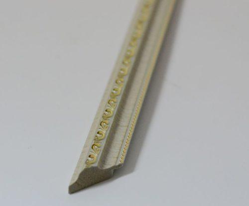 Багет пластиковый 20*35 мм