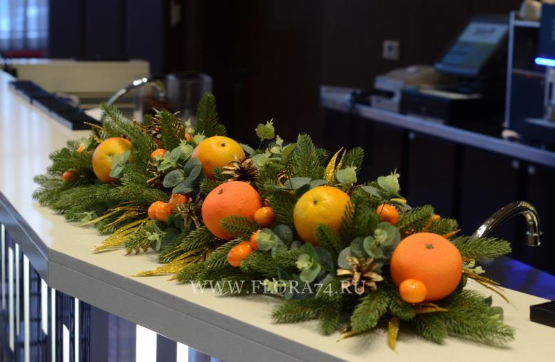 Новогодняя композиция с апельсинами