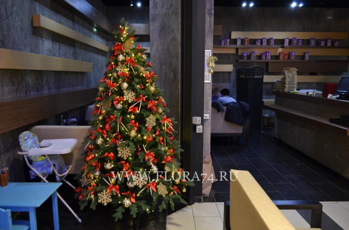 Новогодняя ёлка в ресторане Дзёдо