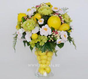 Настольная композиция с лимонами