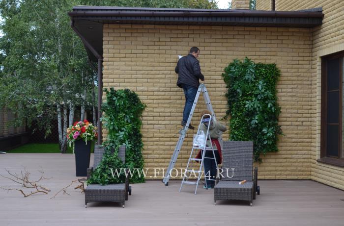 Озеленение искусственными цветами.