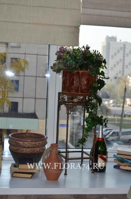 Искусственные цветы и растения.