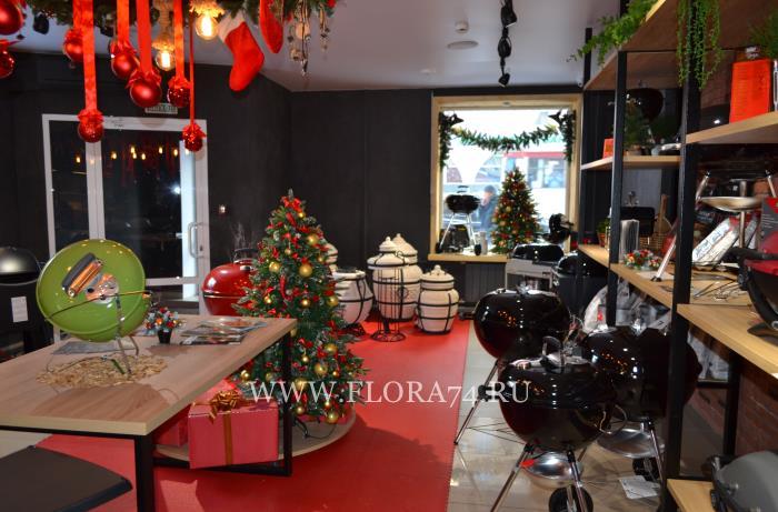 Рождествеское оформление магазина.